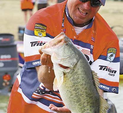 ebf1d193f1e Davy Hite pulls a big bass out for the weigh-in at the BASS Elite Series  tournament on Falcon Lake in Texas